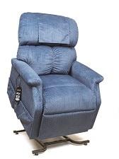 MaxiComforter Lift Chair by Golden Tech